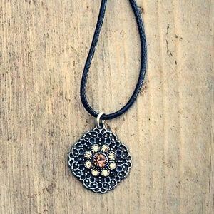 Lovely Vintage Filigree Crystal Pendant Necklace